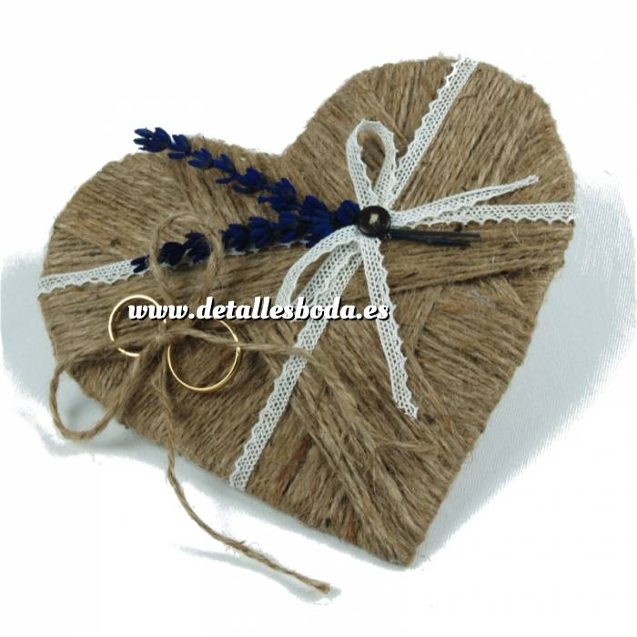 Imagen Cestas y Cojines Porta alianzas corazon flores lila ARTESANAL